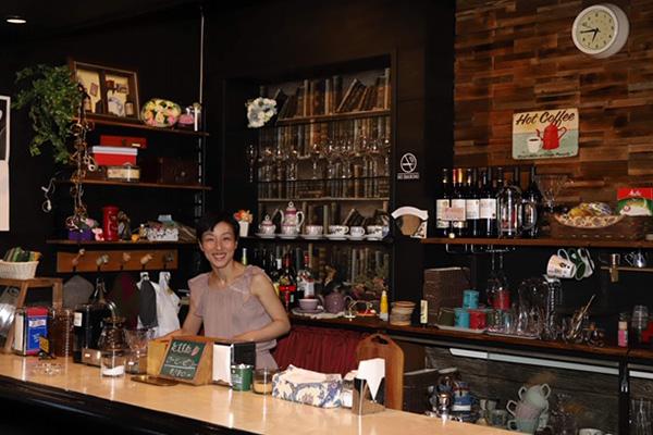 Cafe de mari オーナー